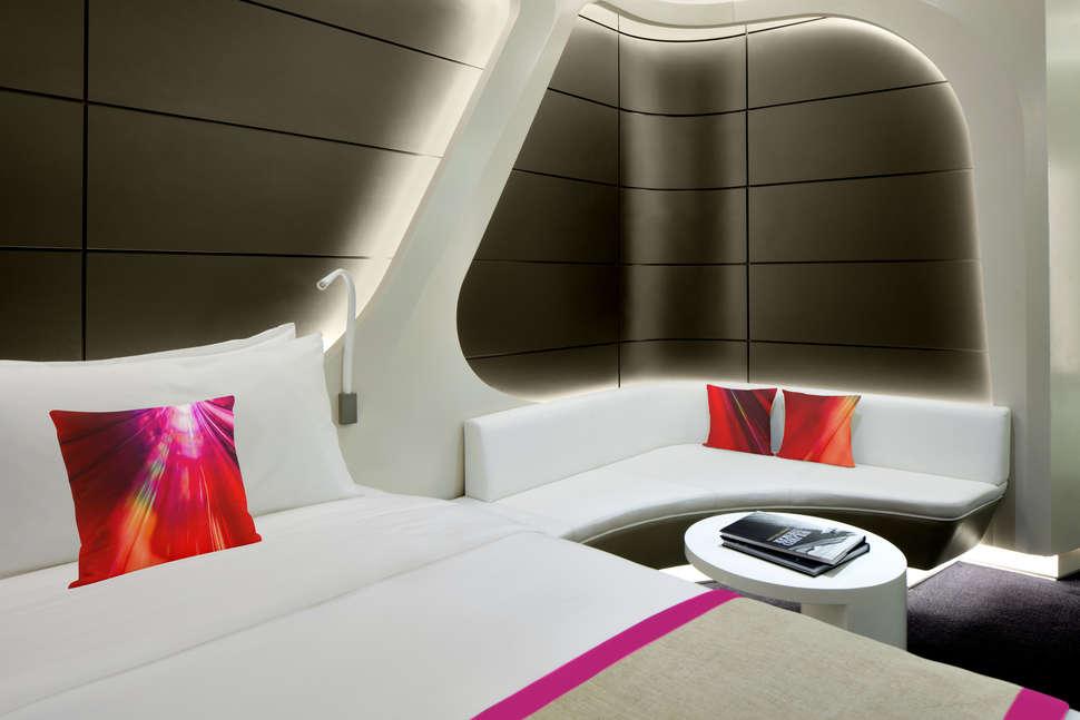 V Hotel Dubai, Curio