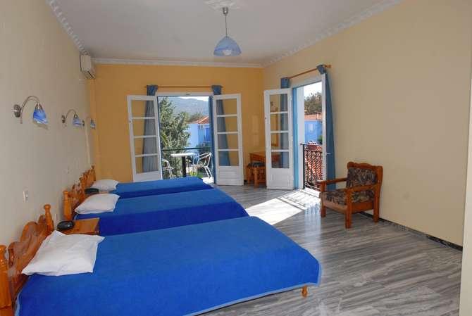 Blue Sky Hotel Petra (Lesbos)