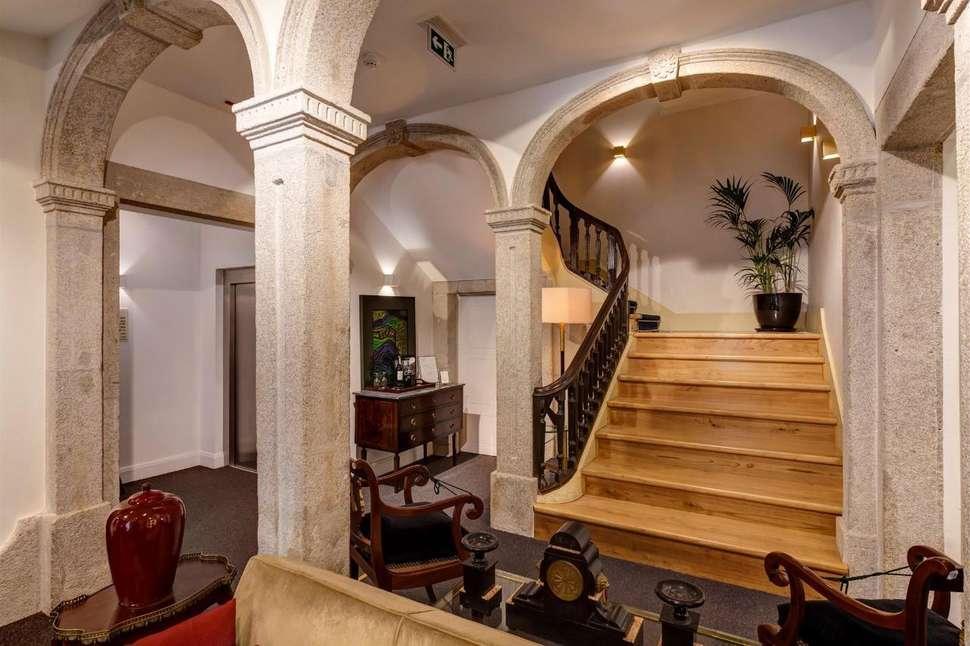 Flores Village Hotel Spa