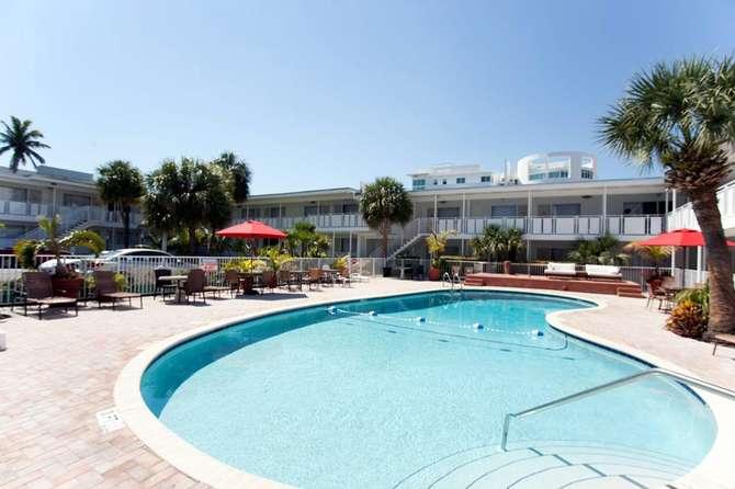 Collins Hotel Miami Beach