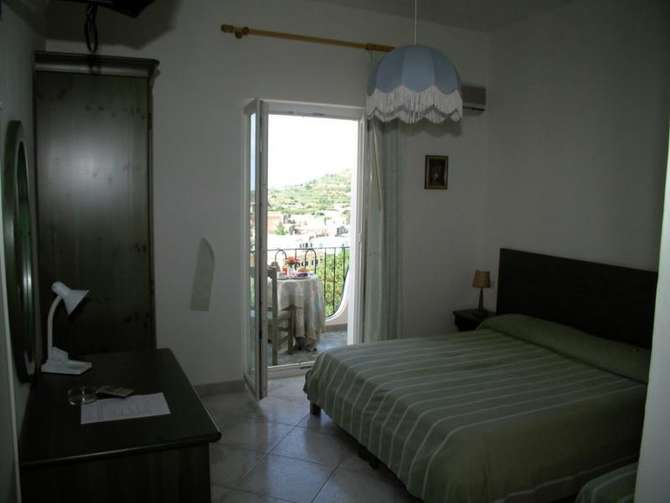 Hotel La Ginestra Forio
