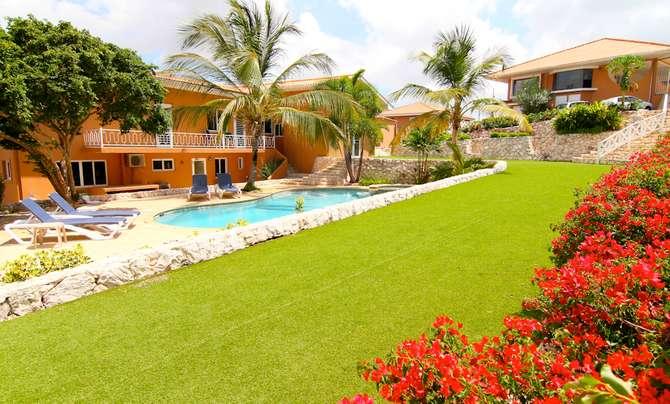 Curinjo Resort Mambo Beach
