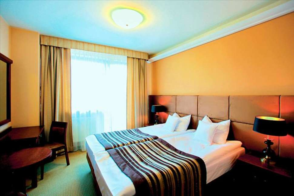 Bialy Kamien Hotel & Medi