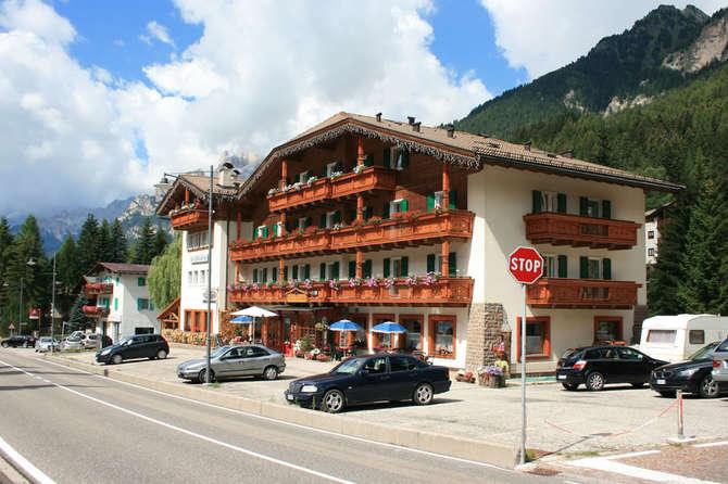 Hotel Rododendro Campitello di Fassa