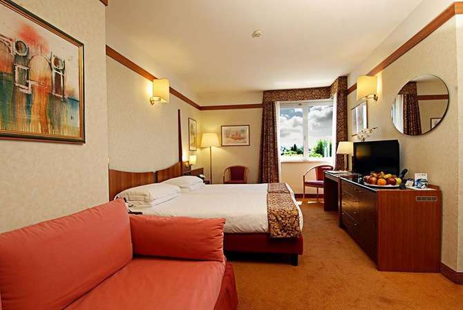 hotel du lac et bellevue in bardolino d vakantiediscounter. Black Bedroom Furniture Sets. Home Design Ideas