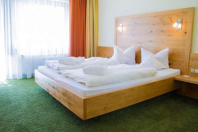 Monchs Waldhotel Unterlengenhardt