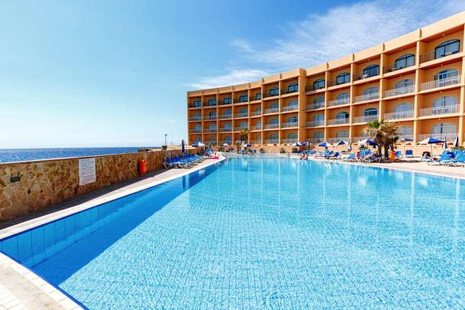 Paradise Bay Resort Hotel Mellieha