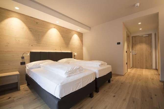 Hotel Monroc Commezzadura