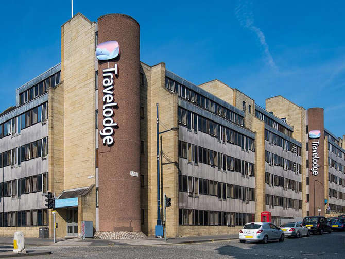 Travelodge Central Waterloo Place Edinburgh