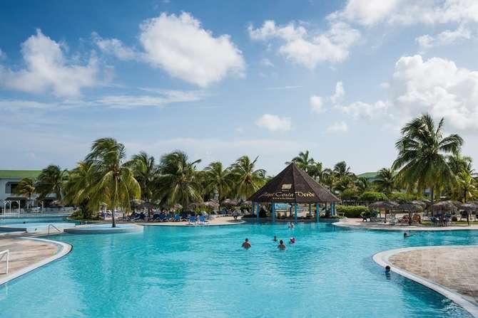 Hotel Playa Costa Verde Playa Esmeralda