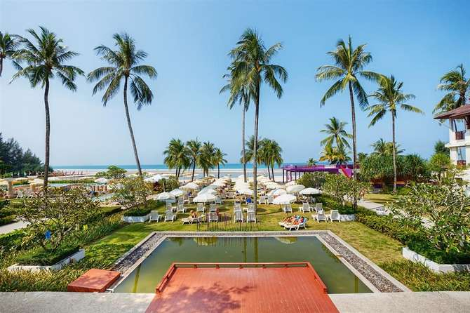Apsara Beachfront Resort & Villa Takua Pa