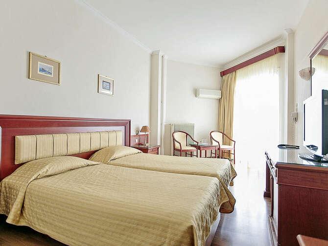 Hotel Tzaki Kastellocampos