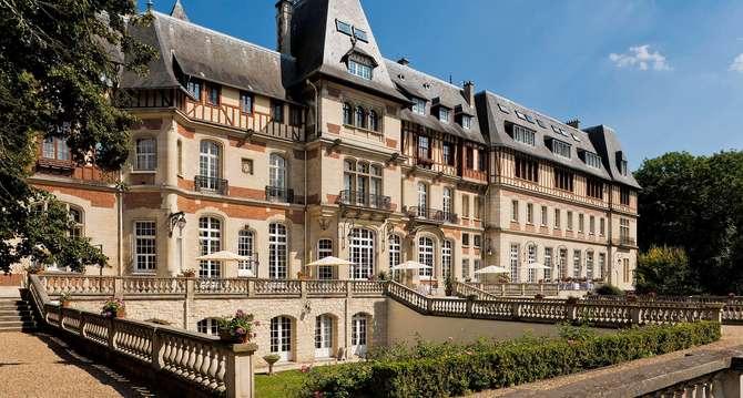Chateau de Montvillargenne Chantilly