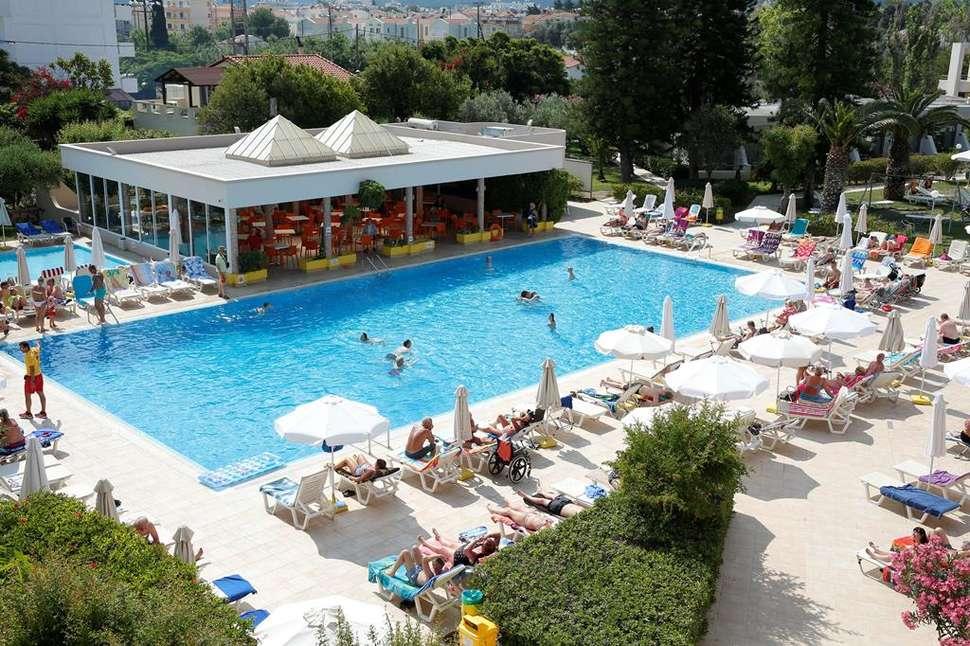 Suneo Club Ialyssos Bay