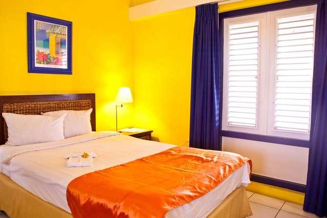 Academy Hotel Curacao, 9 dagen
