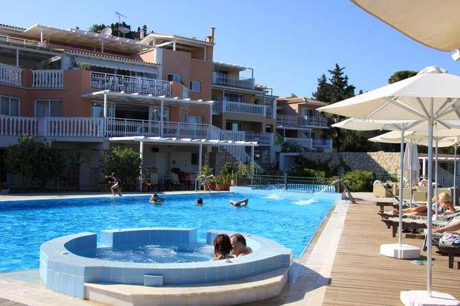 Belvedere Luxury Suites Vassilikos