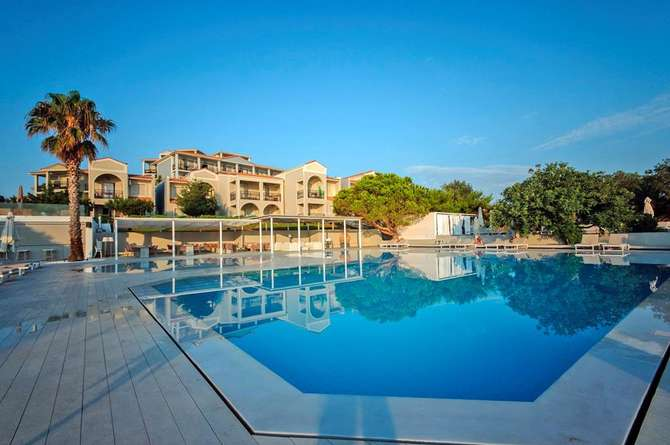 The Bay Hotel & Suites Vassilikos