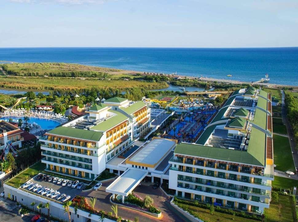 Port Nature Resort & Spa