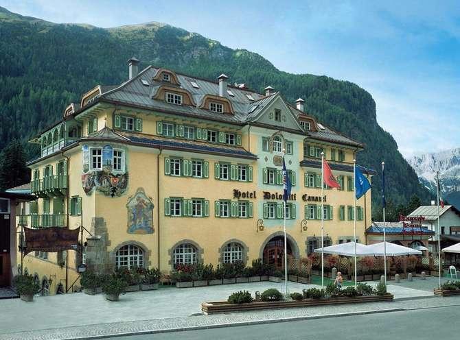 Schlosshotel Dolomiti Canazei