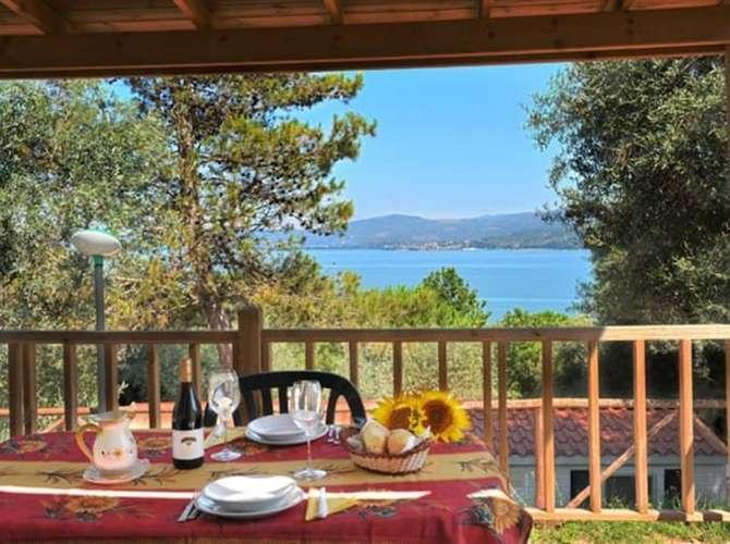 Camping Village Cerquestra Monte del Lago