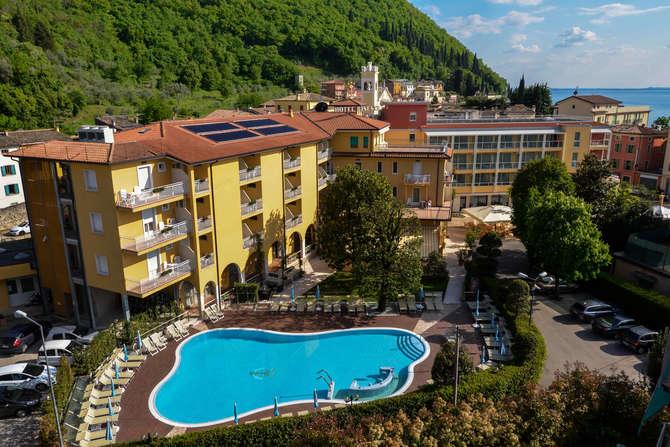 Hotel Bisesti Garda