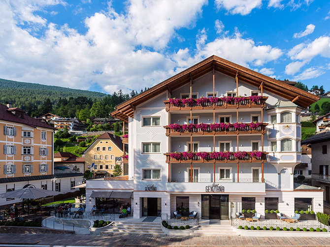 Hotel Genziana Ortisei - St. Ulrich