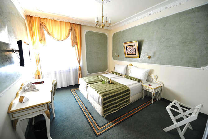 Queen's Astoria Design Hotel Belgrado