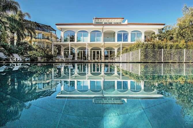 Sicilia's Residence Hotel Art & Spa Aci Catena