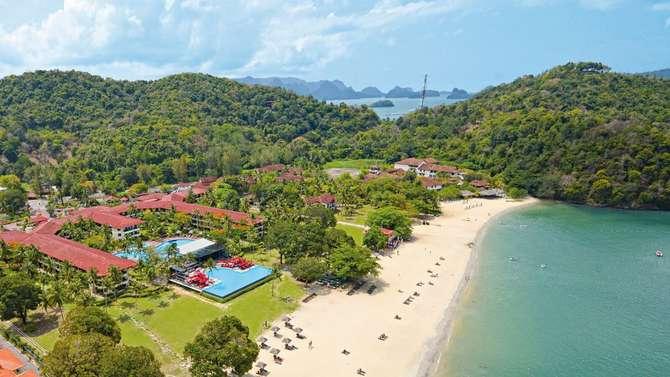Holiday Villa Beach Resort & Spa Pantai Tengah